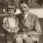 ドイツのメルケル首相がヒトラーの娘という説がある。確かにめちゃくちゃ似てる。。