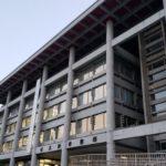 大津市役所の福祉子ども部の男性主任(31)が女性に202回も面会を求めるストーカー行為と女性になりすまして悪口を書く行為を行い停職3か月(京都新聞)