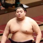 阿炎がキャバクラ通いをしたために引退させられるのはおかしいと伝えるために日本相撲協会に電話しました。